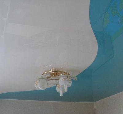 Натяжной потолок (шов)